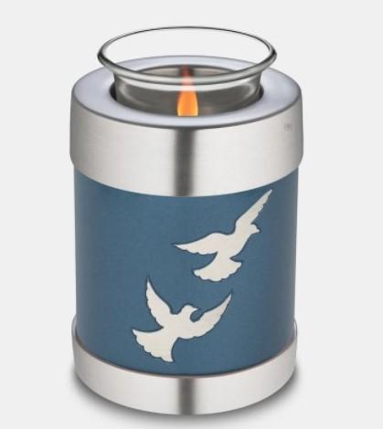 Flying doves tealight
